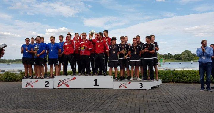U21 Mannschaften bei der Siegerehrung