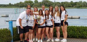 Damenmannschaft KCNW mit Pokal